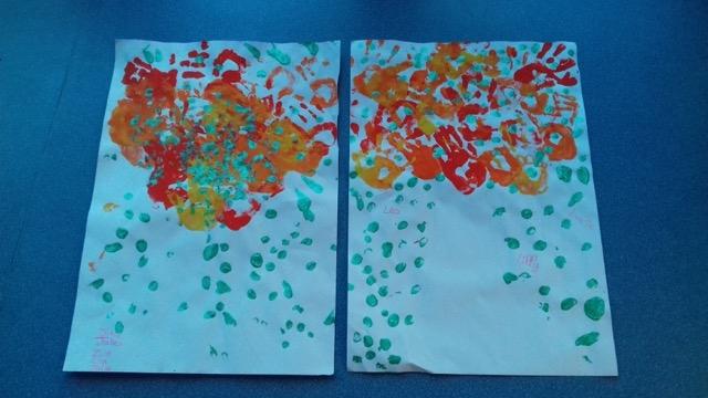Peinture aux doigts école ville limeray